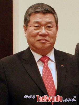 Jin Suk Yang